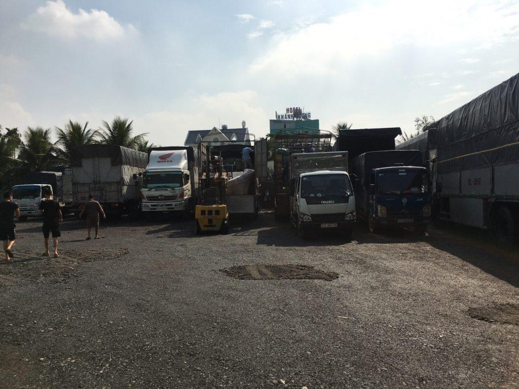 Đội xe chuyển hàng Sài Gòn đi Nam Định